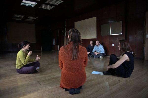 1-Punetori-Teatri fizik