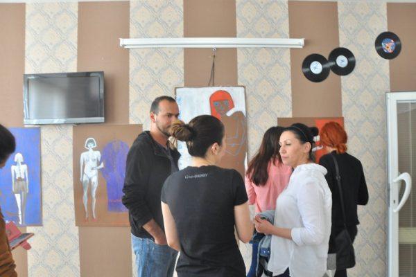 8-Ekspozita, Mitrovice e Veriut